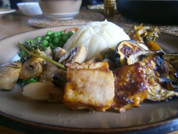 פירה עם תוספות - ארוחה טבעונית שלמה